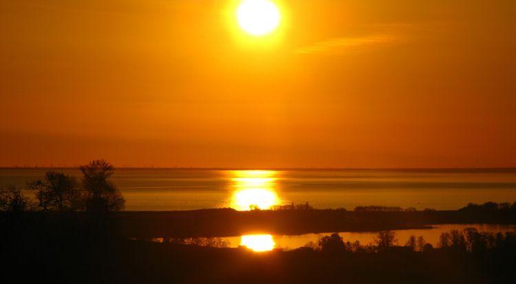 Sunset Baltic Sea (SH) Camera:  - richard-von-lenzano | ello