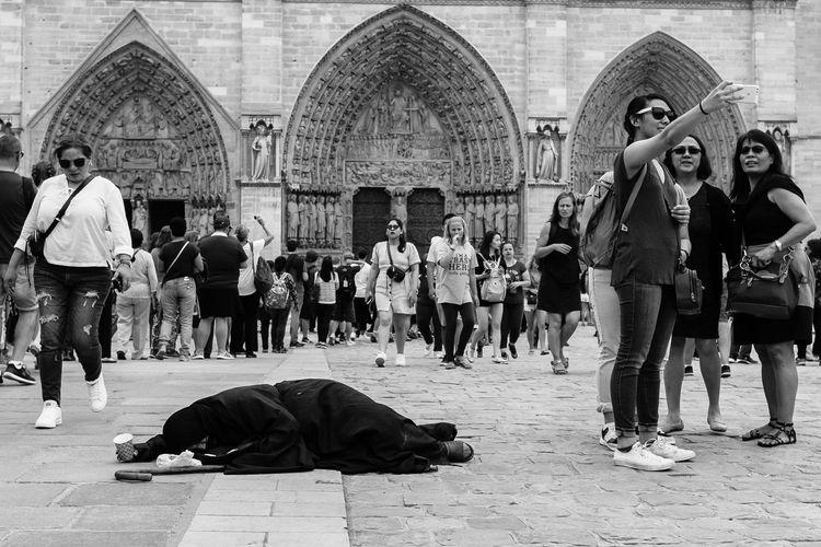 Selfie - photography, church, Notre-Dame - urbanart | ello