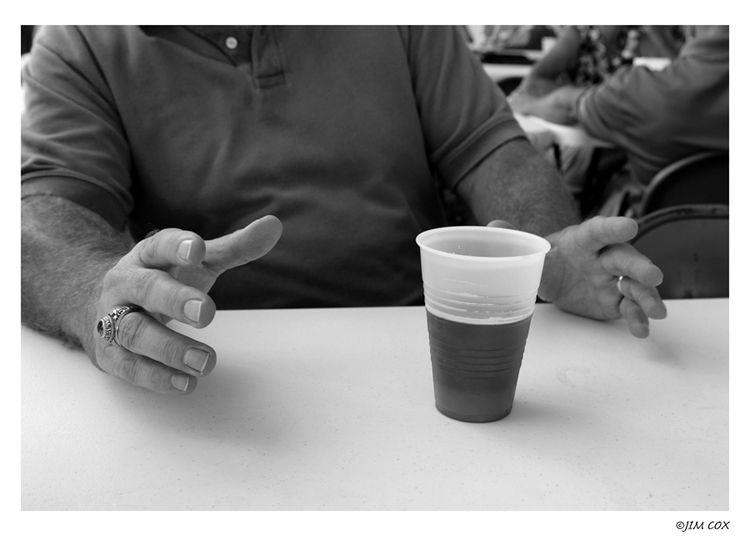 Beer Levitate - friends, handtalker - jascox   ello