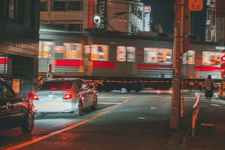 train waiting train...  - jiyugaoka - fokality   ello
