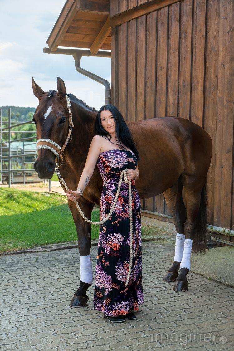 Models: Dani, Horse Photo: Loca - imaginer | ello