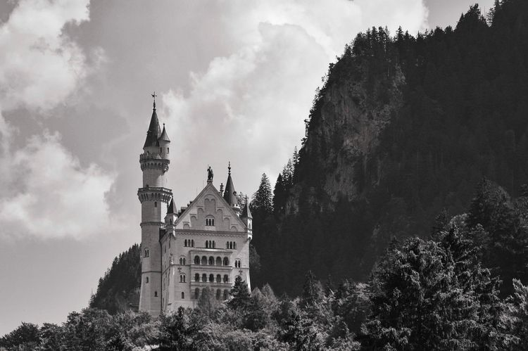 Neuschwanstein Castle Hohenschw - gjaramillophotography | ello