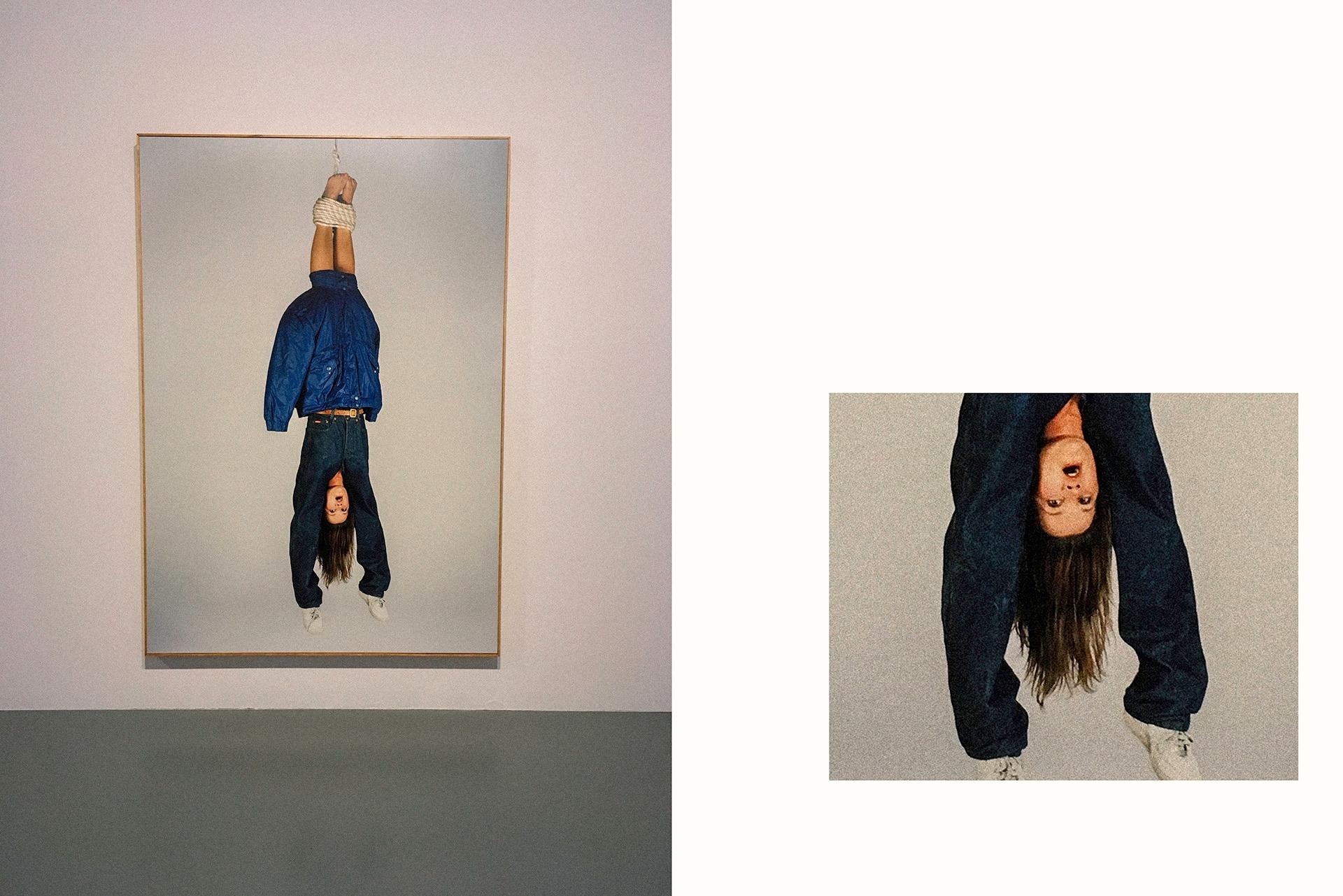 Obraz przedstawia zdjęcie obrazu z kobietą wiszącą głową w dół, oraz fragment tego samego obrazu.