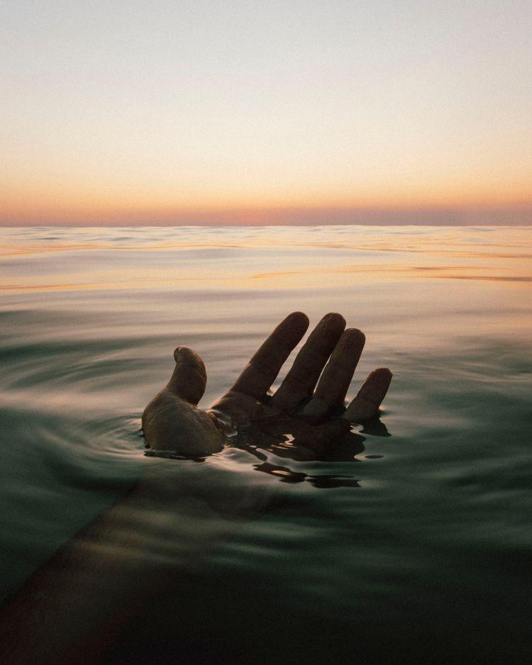 Summer wrinkled fingers - bensusi | ello