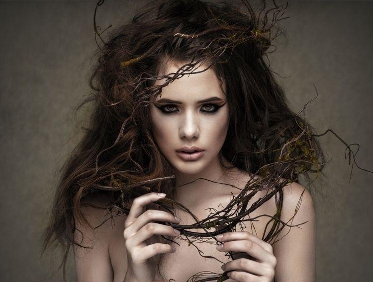 Photographer: Paul Tran Hair: M - darkbeautymag   ello