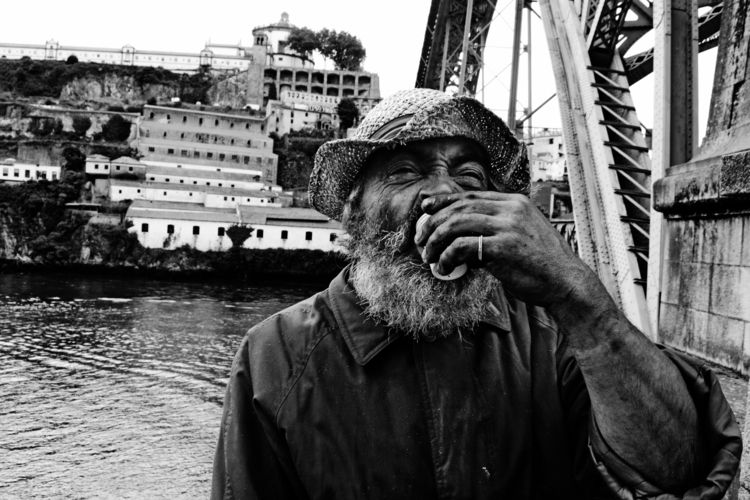 Local man Don Luis Bridge Porto - petevanstein | ello