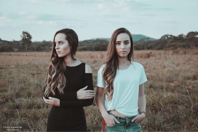 Instagram - twins, twin, twinsister - fotografialivian | ello