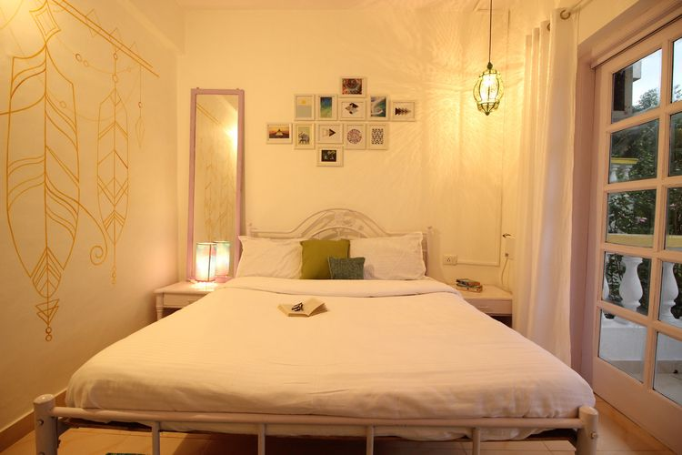 dreamy bedroom, looked OYOxDesi - oyoxdesign | ello