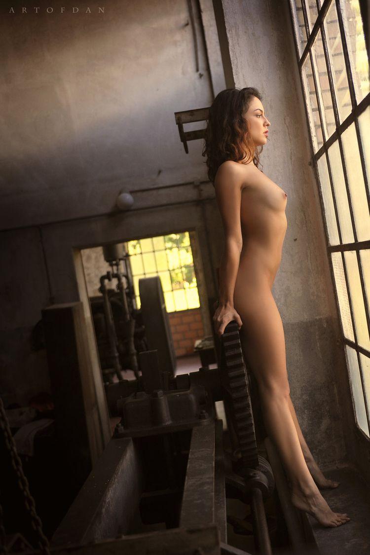 brunette, tits, naked, nude, model - ukimalefu | ello