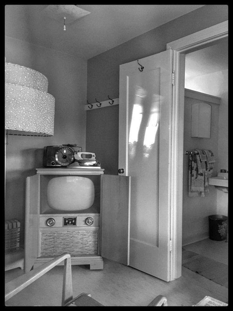 Estes Motel 1948 Lakewood, Colo - anorexiclocusts   ello