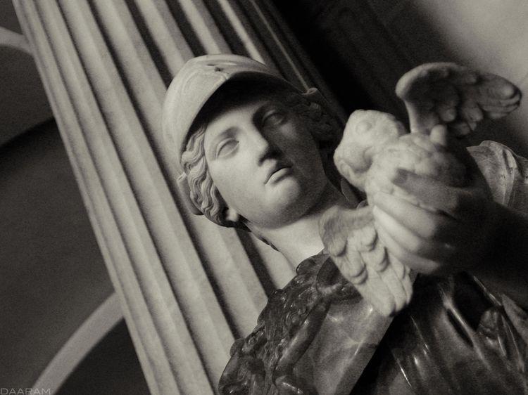 Minerva: Study statue private C - daaram | ello