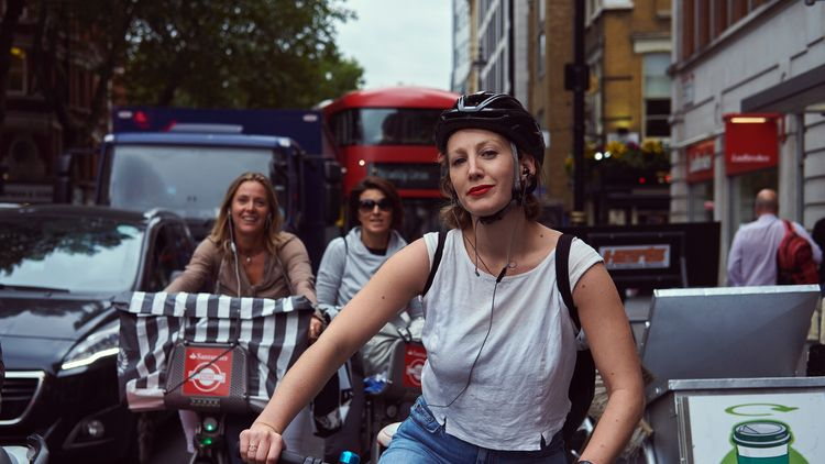 Charing Cross London - candid, streetphotography - rokjuo_ | ello