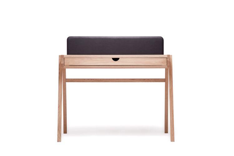 Grafo desk Materials: oak leath - womierzwa | ello