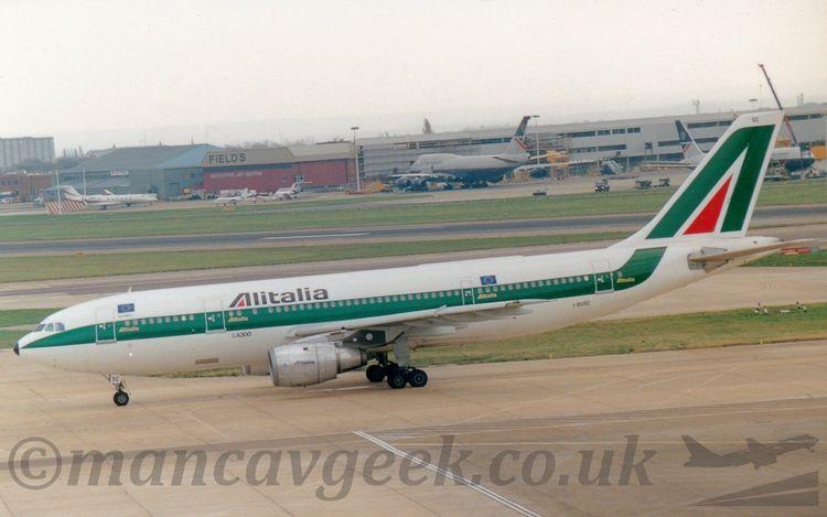 Airbus A300B4, Alitalia. Glassh - mancavgeek | ello