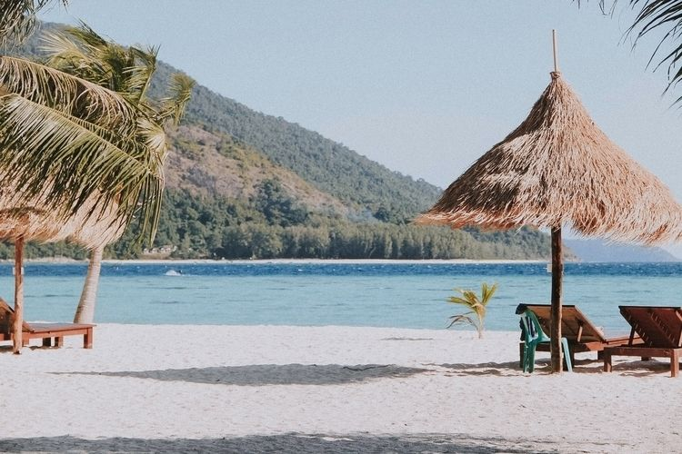 Lipe island , Thailand - portraitphotography - puenzxiifools | ello