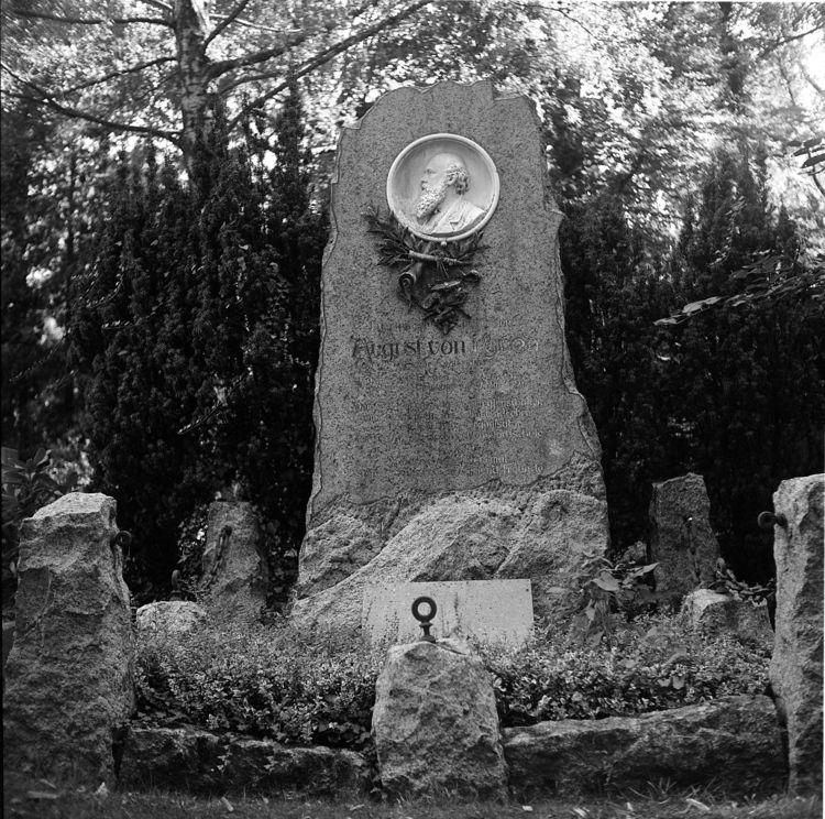 Westfriedhof 09/2018 XII Camera - walter_ac | ello
