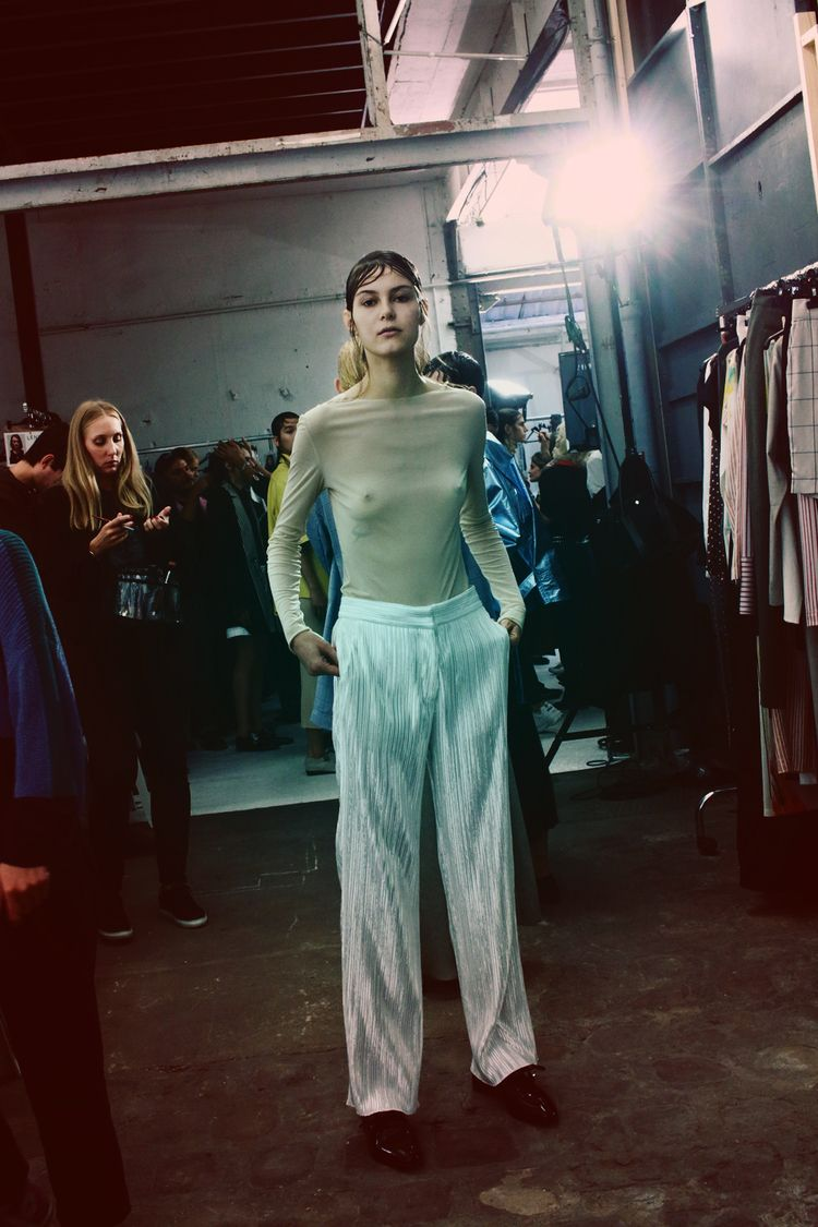 Paris Fashion Week - backstage  - stylishsouls | ello