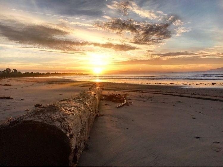SantaCruz, sunrise - tristanjmorales | ello