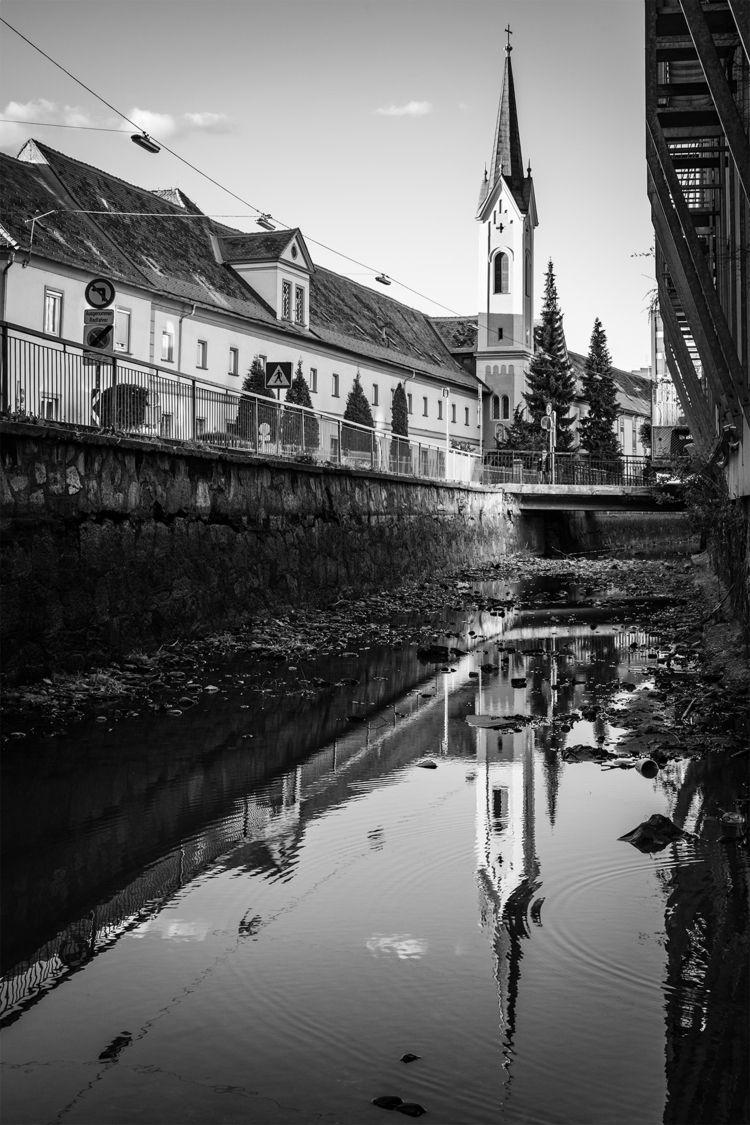 Elisabethinergasse water-free c - stephanepictures | ello