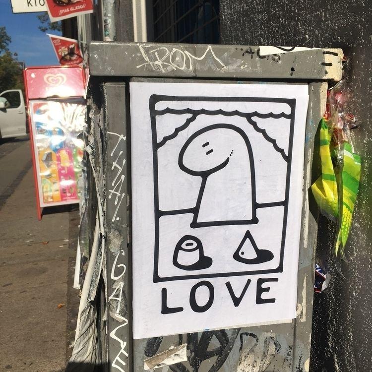 Love ink paper Street Art 2018 - bascofive | ello