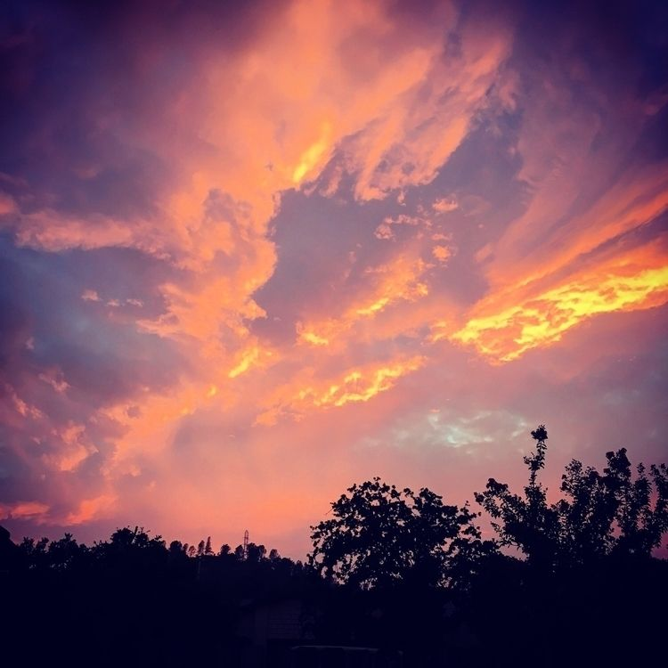 Sky awhile - redbrush77 | ello
