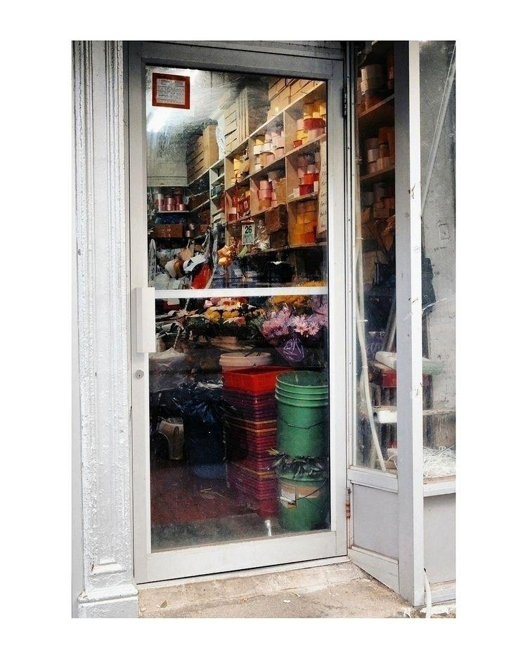 // Color Blind - streetphotography - michaeljhenein | ello