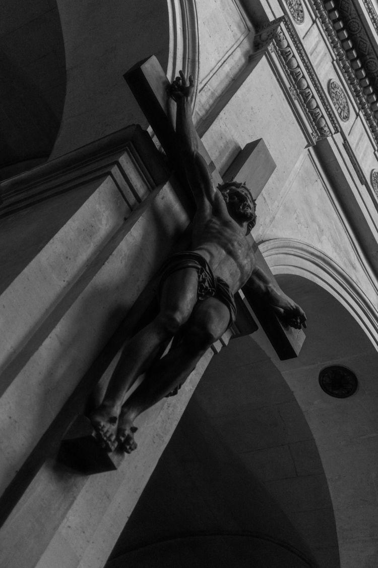 La Crucifixion, Saint-Roch. Par - iangarrickmason | ello