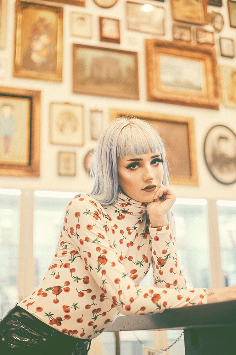 Valfre Sheds Light School Style - thecoolhour | ello