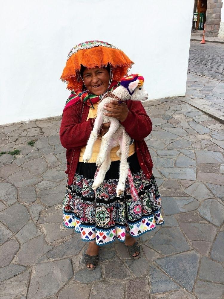Woman Cusco Warmi Qosqopi Pay - Peru - hatun | ello