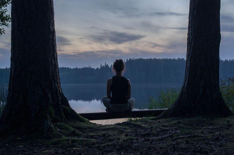 Lakeside tranquility. Model: La - jaan_puravik | ello