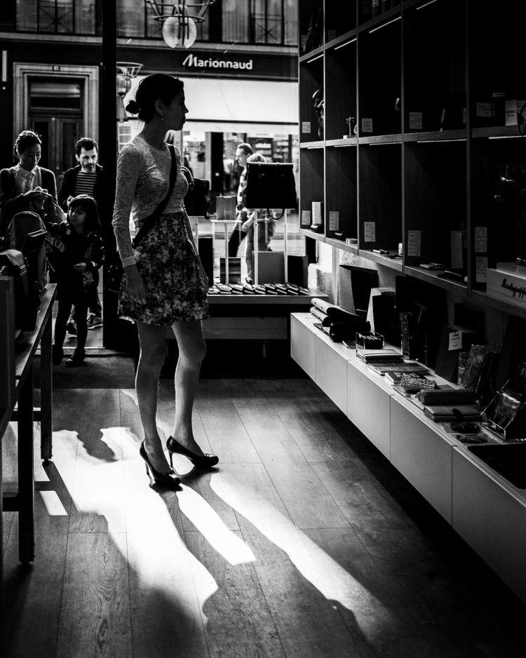 Browsing shelves papeterie - bnw - tammamo | ello
