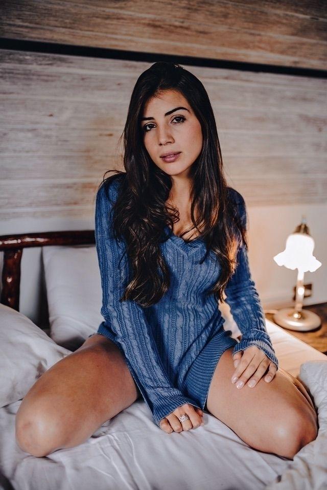 Modelo: Gabriela Oliveira Fotog - phnathanmsiao | ello