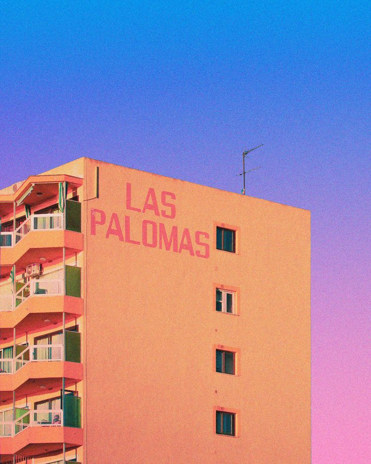 LAS PALOMAS - nathanhead | ello
