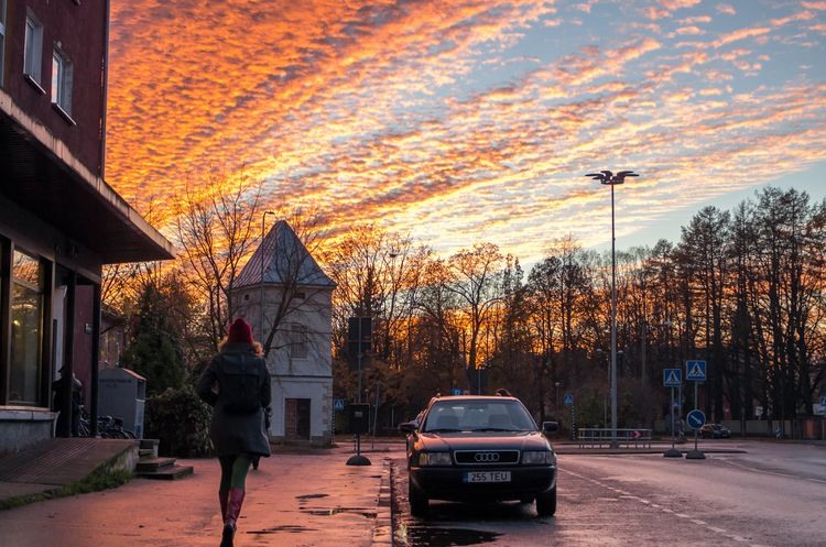 Hurry - sunset, tartu, street, sky - jaan_puravik   ello