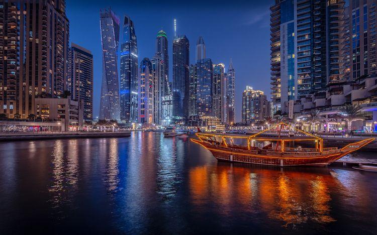 Dubai Marina- Marina Walk manma - davecurry8 | ello