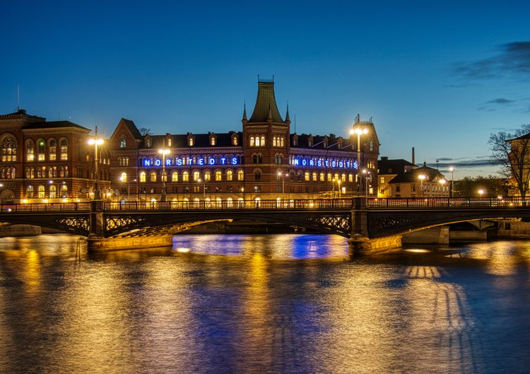 Stockholm night - Norstedts bui - neilhoward | ello