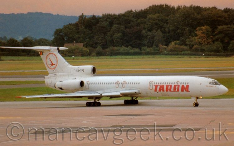 YR-TPG, Tupolev Tu154, Tarom. S - mancavgeek   ello