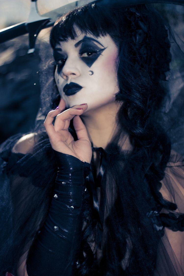 Halloween. Layna Shot Canon T2i - stevenzurita | ello