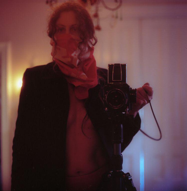 selfportrait, onfilm, hasselblad500cm - teetonka | ello