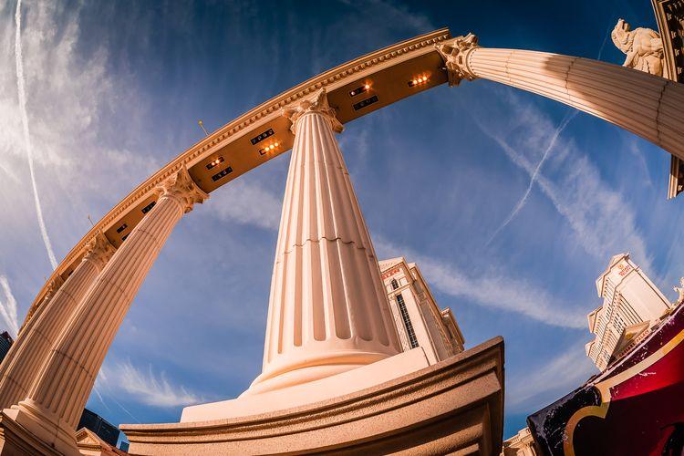 Columns Decorative columns Caes - 75centralphotography | ello