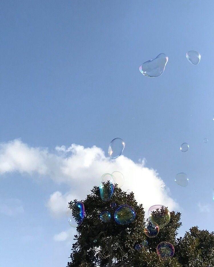 catch bubbles, enjoy - -isabelle | ello