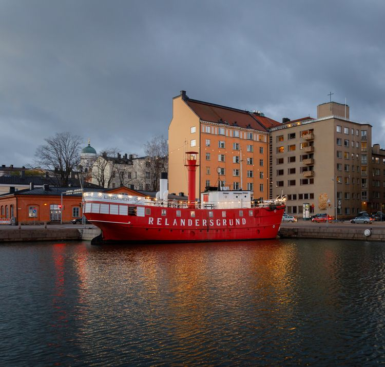Red Ship relandersgrund - photography - anttitassberg | ello