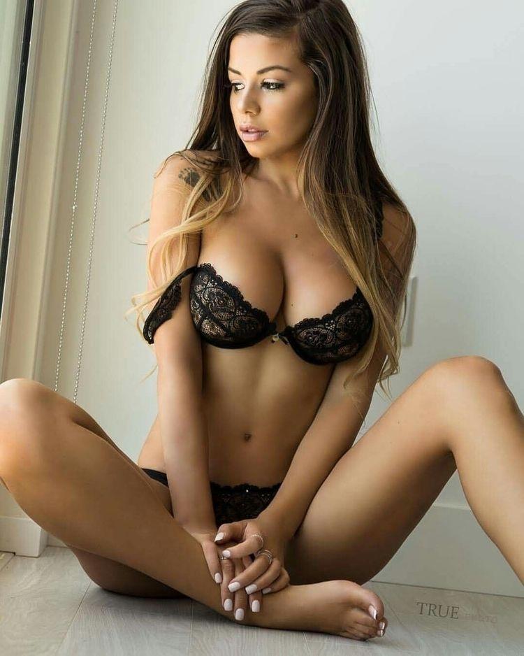 sexy models - danagreen | ello