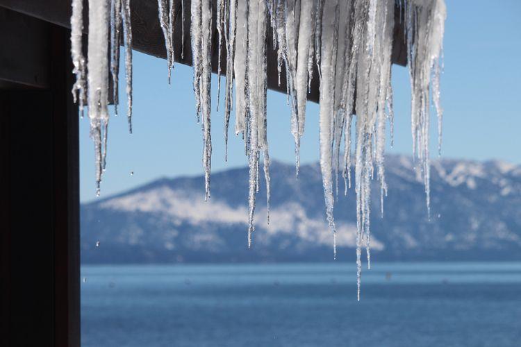 laketahoe, icicles, winteriscoming - phoenixk   ello