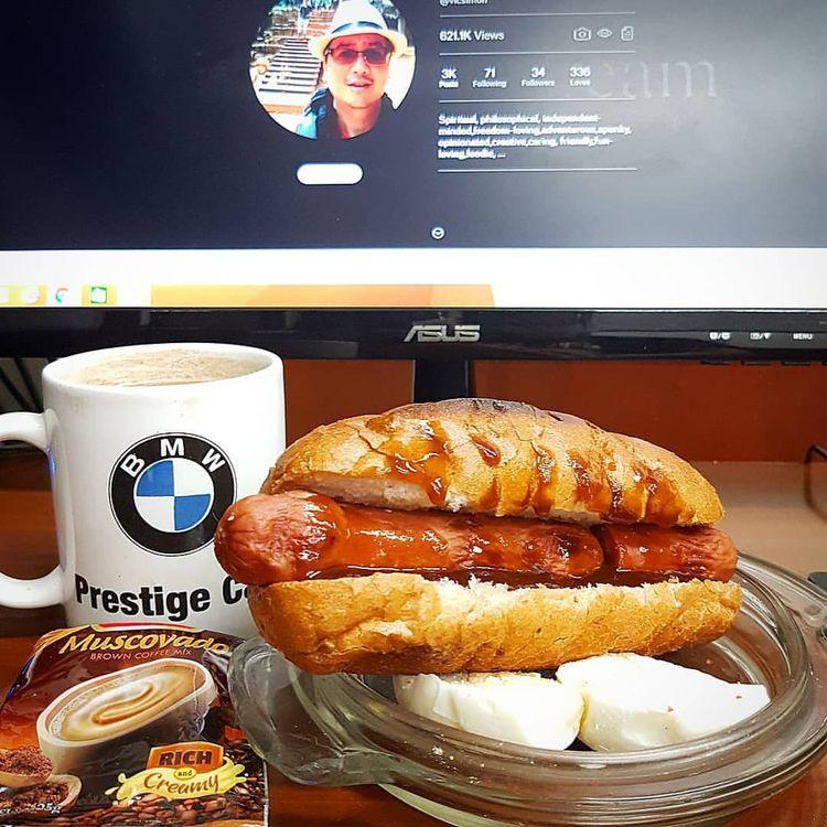Cheesy Chicken Hotdog Bun Sandw - vicsimon | ello