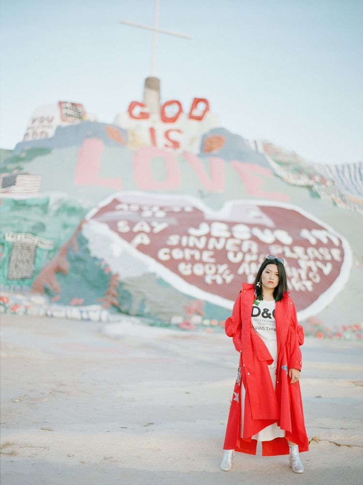 Victoria / Salvation Mountain,  - _radostina_ | ello