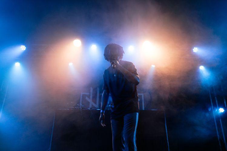 Luni | Face MZK Live - concert, smoke - adrelanine | ello