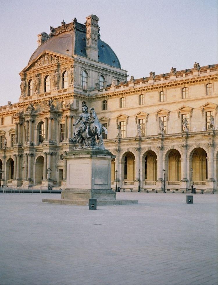Paris - bentomwyemji | ello