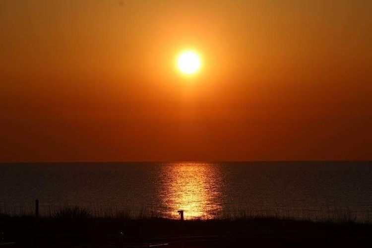 Grand Rising - horizon, morning - ranjiroo   ello