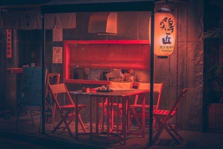 Waiting patrons...  - jiyugaoka - fokality | ello